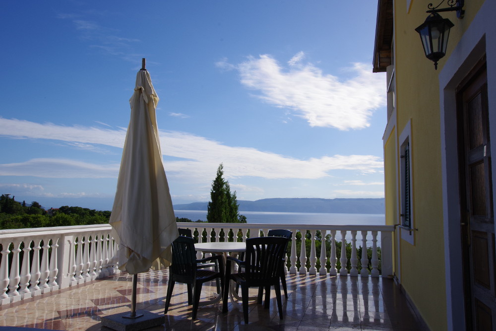 terrasse mit meerblick istrien