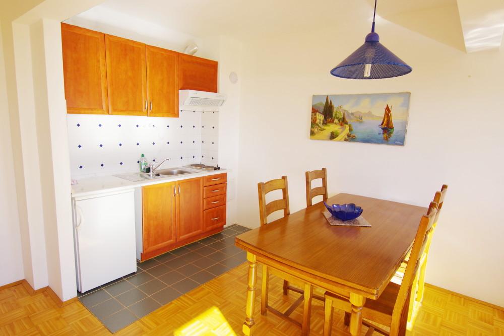 Familienurlaub Kroatien, Appartement 5 Kueche